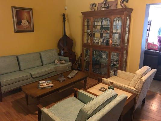 636362343967106406-Furniture.JPG