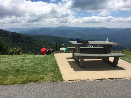 Visitors to Waterrock Knob on the Blue Ridge Parkway