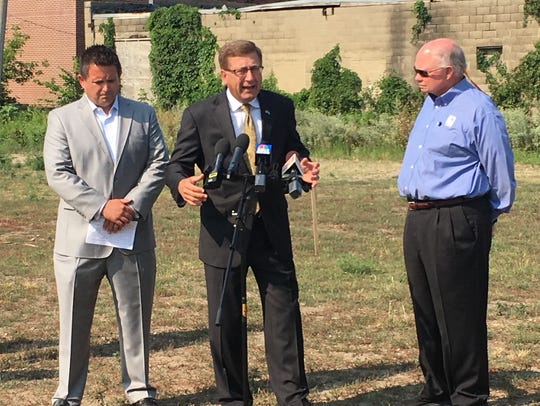 Sioux Falls Mayor Mike Huether explains details of
