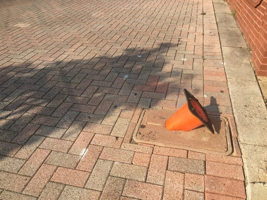 700 block of Texas Street; cracked utility cover