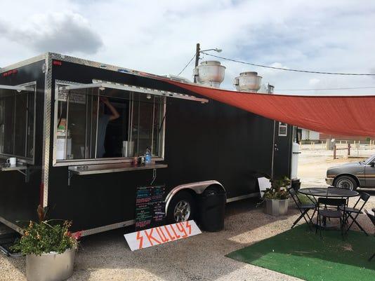 Skully's Food Truck