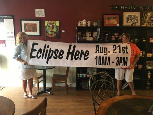 636383052365178598-eclipse.jpg