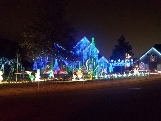 Mike Willis's Christmas lights dance to music on Laurens - Experience 'Christmas Under The STARs'