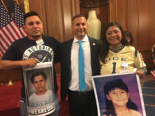 636420089887170811-Karen-Caudillo-in-Washington-D.C.-with-Congressman-Darren-Soto.jpg