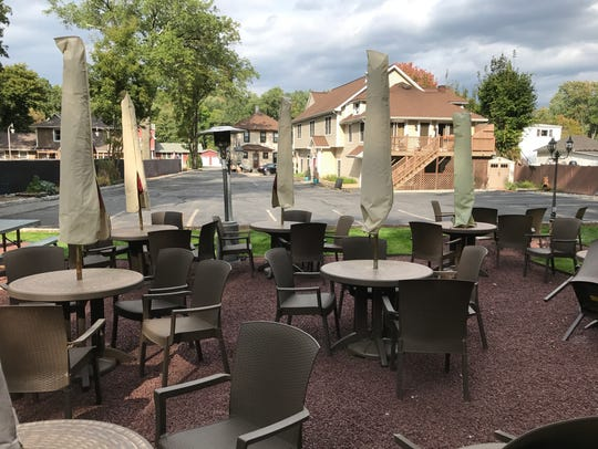 The outdoor eating and drinking area at Tree Tavern