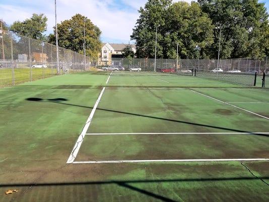 UE tennis courts
