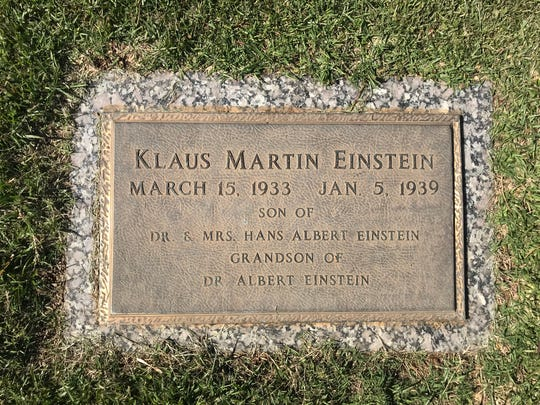 Klaus Martin Einstein, grandson of Albert Einstein, died of diptheria at age five while living in Greenville, SC