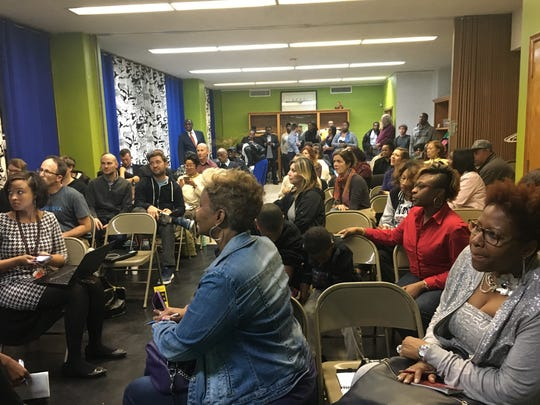 About 50 residents packeda community meeting to discuss concerns about the proposed criminal justice center near I-75 in Detroit.