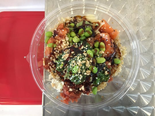 """Edamame and fried garlic are among the toppings available at Poké to Me, a new """"Hawaiian poke bowl"""" restaurant in Camarillo."""