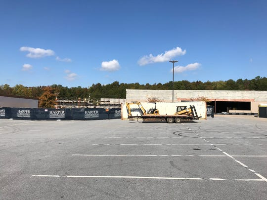 A reader asked what is being built on Wade Hampton
