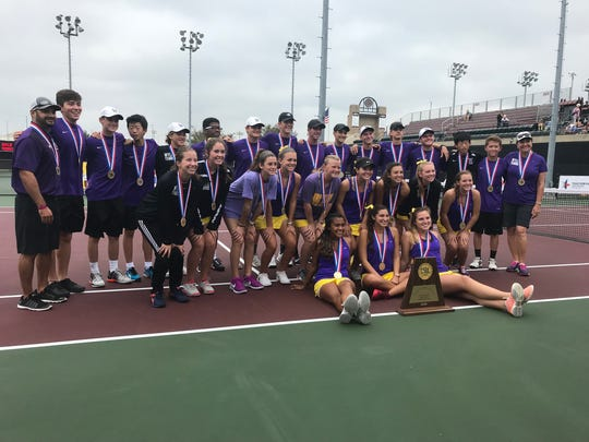 The Wylie tennis team defeated Fredericksburg 10-0 in the Class 4A state finals on Thursday morning to win back-to-back state championships.