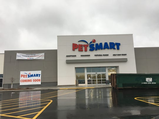 Petsmart will open its second Green Bay area store in the former Cub Foods building on East Mason Street on Dec. 2, 2017.