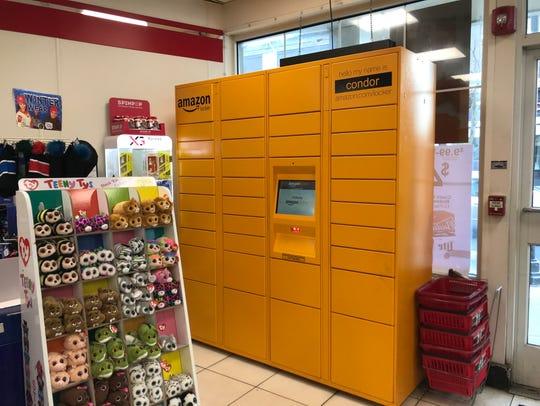 Amazon Locker - Condor, installed at 7-Eleven at 167