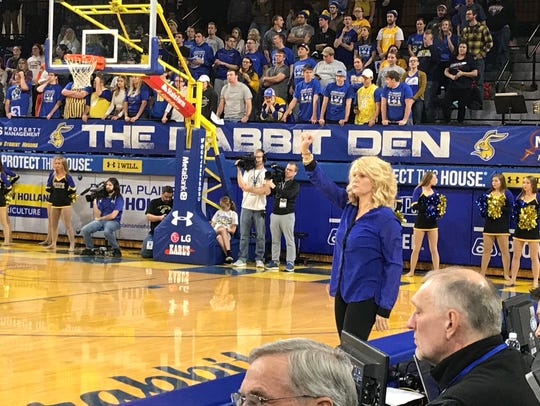 Oklahoma coach Sherri Coale directs her team from the