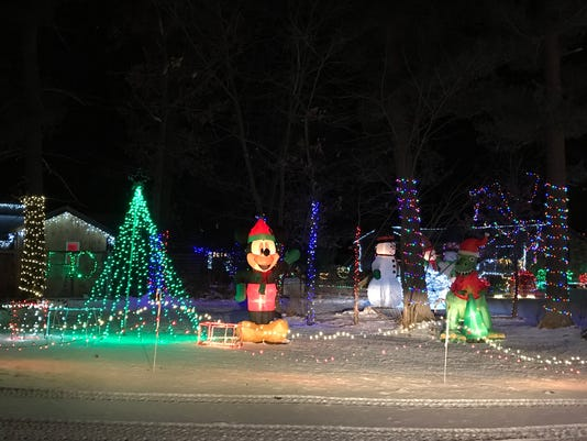 636485981591441510 nowak xmas lights rapids 1jpg - Outdoor Christmas Displays