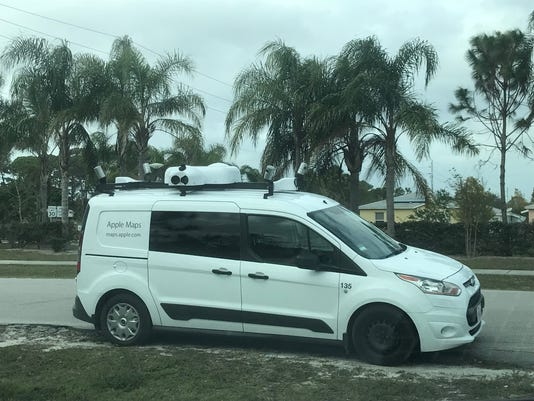 636525776846238351-Apple-Maps-car.jpg