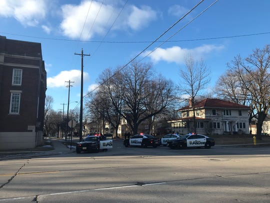 Police blocked of Howard Avenue between Ashland and