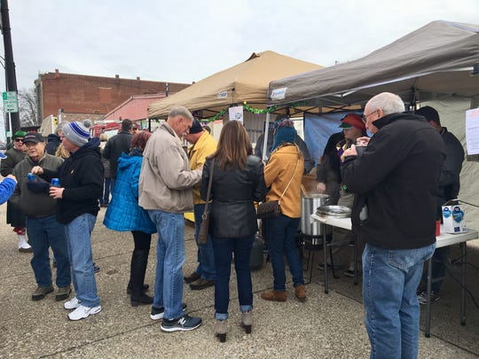 A thousand people sampled the gumbo along Franklin