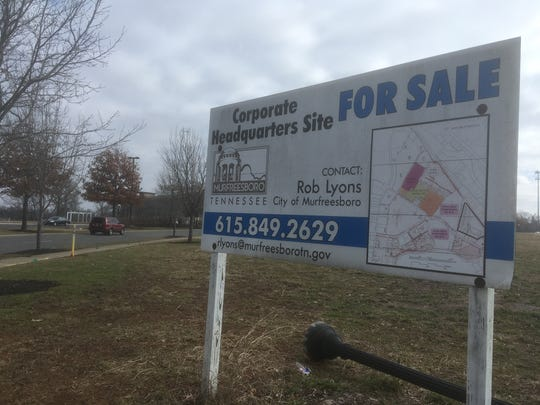 The city of Murfreesboro has had a corporate headquarter property for sale for more than a decade at the southeast corner of Medical Center Parkway and Gateway Boulevard. The 18.6 acre property is across the street from the Fountains at Gateway Development and is adjacent to the city's Old Fort Golf Course to the rear.