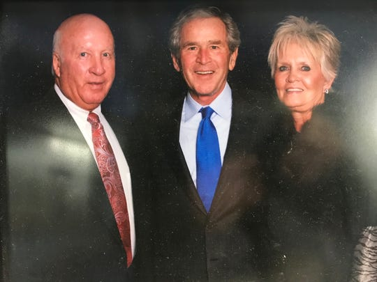 President George W. Bush poses with San Angelo residents