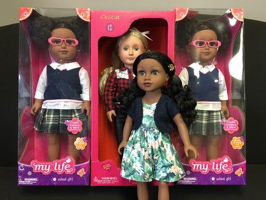 636553193859502421-four-dolls.jpg