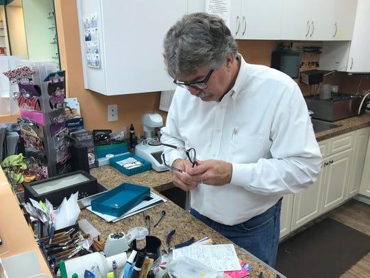 Dan Amyx is Florida licensed, board certified optician