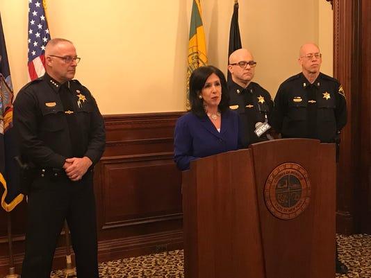 Monroe County, court deputies reach contract