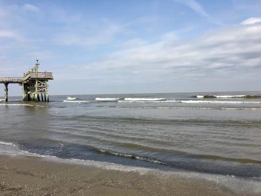 Grand-Isle-beach.jpg