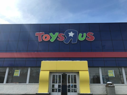 Toys R Us Rave In The Uk Stopped By London Area Police