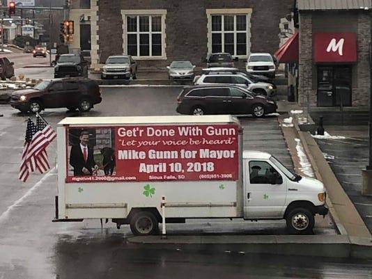 636576674254391366-Mike-Gunn-campaign-truck.jpg
