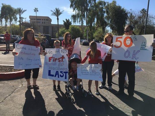 Kyrene de la Sierra Elementary teachers and their supporters