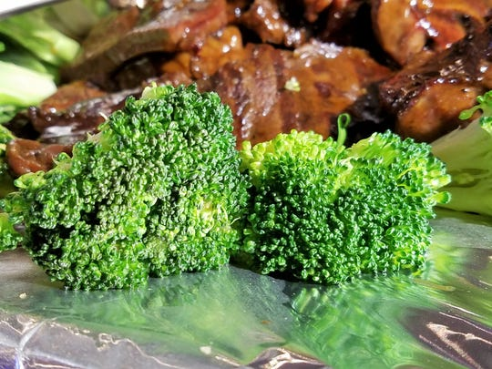 Vitamin C acts as a natural antihistamine, making broccoli your friend.