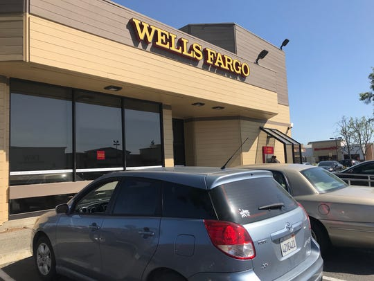 Around 6 p.m. on Thursday, officers were called to Wells Fargo on south Mooney Boulevard for reports of a bank robbery.