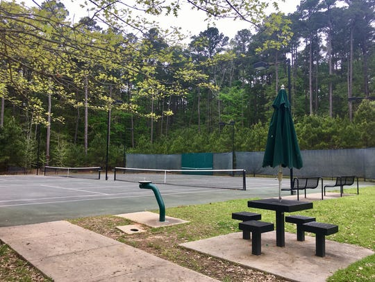 Lake D'Arbonne State Park features four lighted tennis