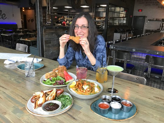 Jeanne Muchnick samples the food at Southern Table