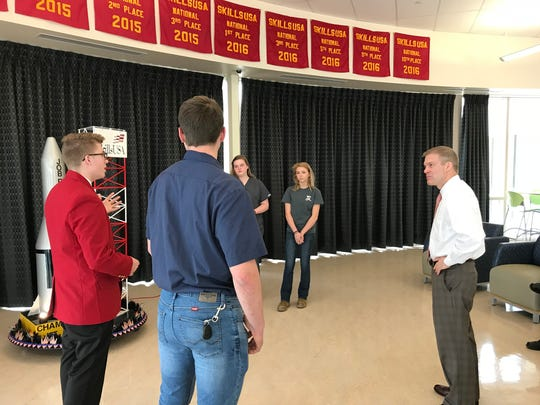 Congressman Jim Jordan, R-OH, meets with Vanguard Career Center students in Fremont to discuss Skills USA.