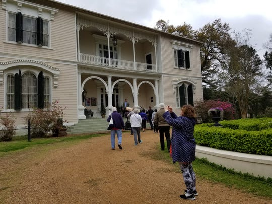 American Duchess passengers tour The Towers, an antebellum home in Natchez, Miss.