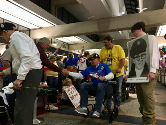Honor Flight of Southern Indiana welcome home parade