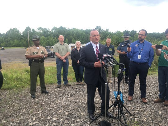 Acting TBI Director and other authorities gathered for a press conference in the search and capture of Steven Wiggins, a suspect in the death of a Dickson County deputy.