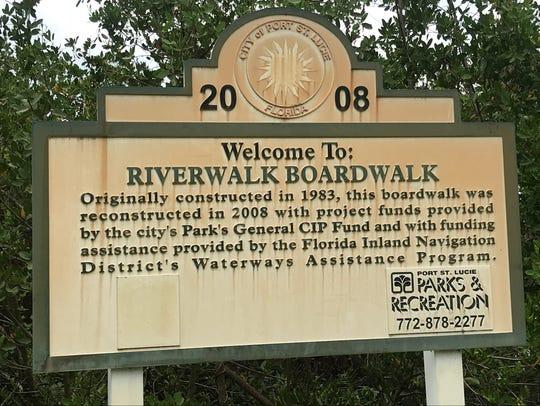 Veterans Memorial Park entrance to Riverwalk Boardwalk.