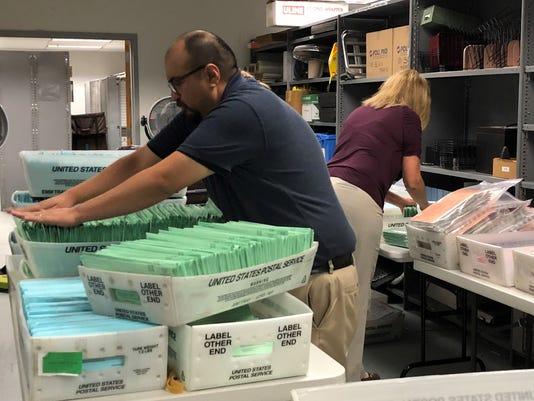 636639134645330870-Election-counting-1.jpg