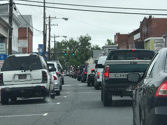 Traffic on Washington and Main St. in Millsboro, Del.
