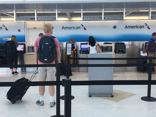 American Airlines no longer accepts cash at its ticket
