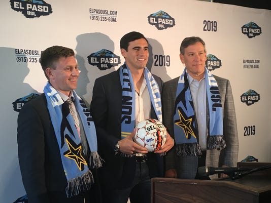 Omar Salgado signs with El Paso USL