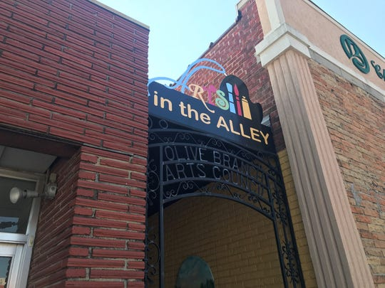 Olive Branch Arts Council launched Arts in the Alley, a free outdoor art gallery, in 2012.