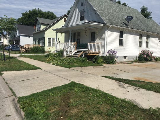 The home in the 1500 block of Elm Street that a man