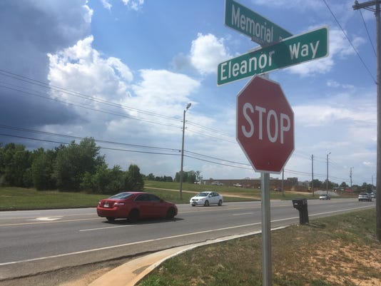 Memorial Boulevard and Eleanor Way intersection