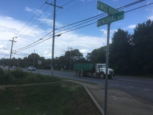 The Memorial Boulevard-Kings Ridge Drive and the nearby Memorial-Eleanor Drive intersections will be gaining traffic signals, according to Murfreesboro City Council plans.