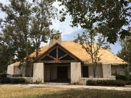 Black Angus-front-plywood-roof.JPG