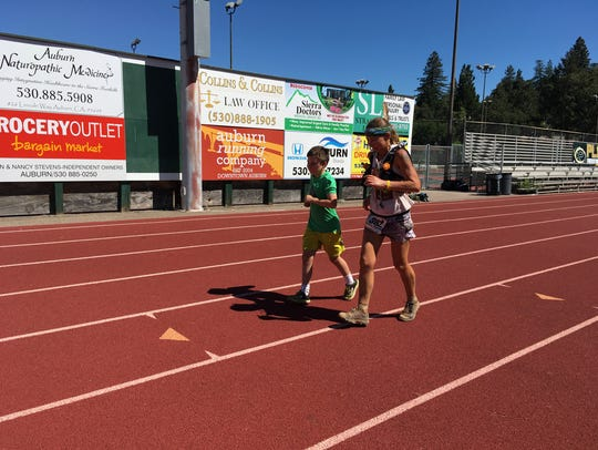 Constance Wannamaker finishes the Western States 100